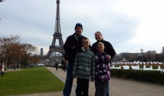 The Wagoner Family spending Christmas in Paris2