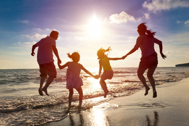 10 Family Vacation Tips for Traveling With Young Children