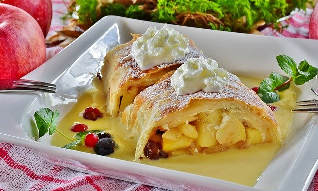 Strudel - Sweet Treats from Austria